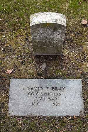 David T. Bray, 5th MI Inf. Co. C grave. Image ©2014 Look Around You Ventures, LLC.