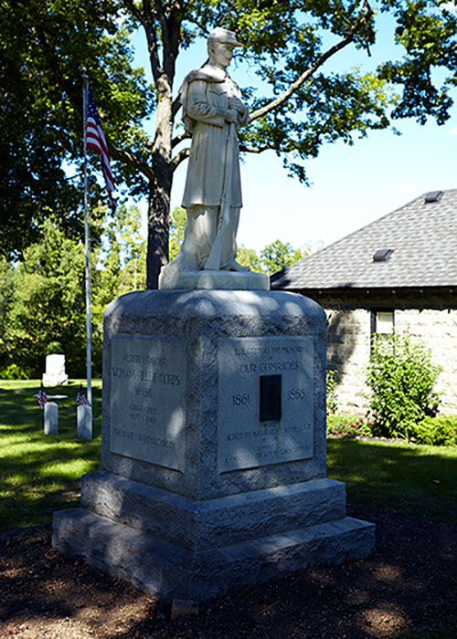 GAR Post 181 monument in Oak Grove Cemetery. Image ©2014 Look Around You Ventures, LLC.