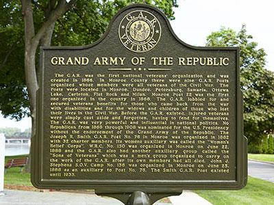 Marker side describing the role of the GAR in Monroe County. Image ©2015 Look Around You Ventures, LLC.